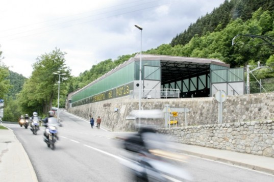 Train Store in Ribes, SAU Taller d'Arquitectura, train station, spain, daylighting, solar power, saw-toothed roof