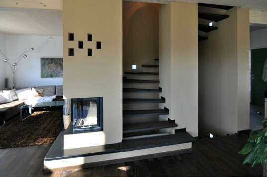 Wooden House K, partnerundpartner, holzhaus, solar power, black forest, germany, water heating fireplace, clay core