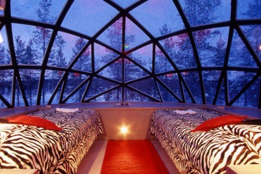 igloo village, hotel kakslauttanen, finland, igloos, thermal glass, thermal glass igloos, green design, eco-design, sustainable design, architecture, finland architecture, northern lights, aurora borealis, green building