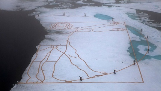 john quigly, vitruvian man, sustainable design, greenpeace, eco art, green art, ice installation, arctic ice art, north pole, global warming, climate change, environmental art, melting vitruvian man