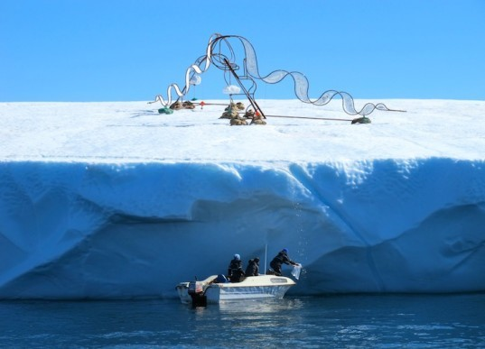 Cool(E)motion, floating icebergs, floating sculptures, inuit, dog sleds, greenland, climate change, phytoplankton, eco-art, eco-design, sustainable design, green design, Ap Verheggen, culture,