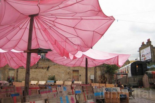 Sustainable Food,Recycled Materials,Green renovation,green Interiors,green furniture,Prefab Housing,wooden shed,vintage furniture,outdoor cinema,outdoor silent cinema,recycled pallets,parachute umbrella,recycled parachute