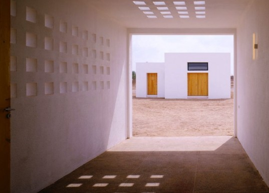 Guilhem Eustache, Belgian, Marrakech, Morocco, natural materials, locally-sourced materials, green building, sustainable home, sustainable development, atlas mountains, green design, sustainable design, eco design, clay, tadelakt, solar gain, minimalist