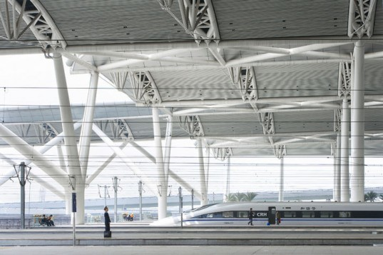 Guangzhou South Railway Station, TFP Farrells, china, high speed rail network, high speed rail station, natural daylighting