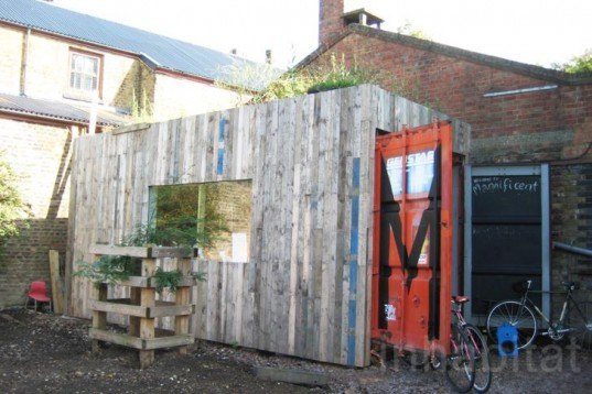 Urban farming,Sustainable Building,Bicycles,green roof,green Interiors,Gardening,Botanical,Architecture,city farm,hackney,london,animals,farmyard,local vegetables,bike repair shop,