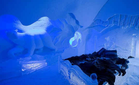 green design, eco design, sustainable design, Hotel de Glace Quebec, Ice Hotel, Ice Cafe, sustainable building, Quebec City