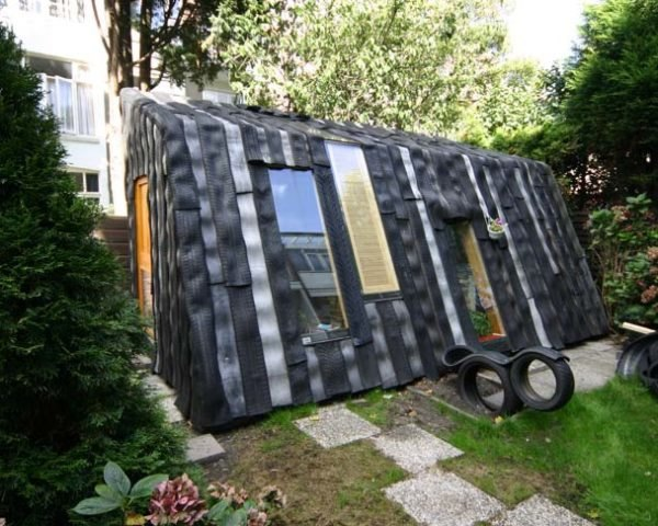 Recycled Materials,Green Resources,Green Materials,Green Lighting,green Interiors,DIY,Art,Architecture,garden shed,car tires,neatherland,refunc,recycled wood,water-proof,winter-proof