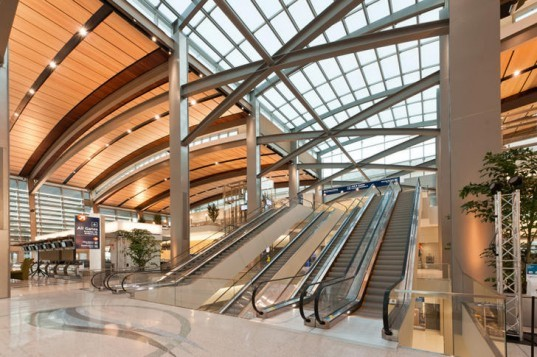Sacramento International Airport, corgan associates, fentress architects, sacramento, leed silver, daylighting, green airport