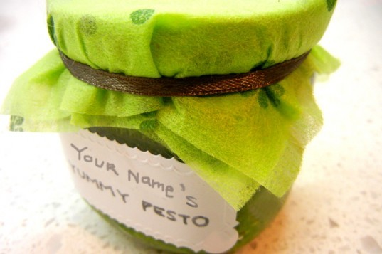 diy, dift gifts, green gifts, inhabitat diy, make it yourself, homemade pesto, pesto, recycled glass, recycled gifts, recycled crafts, green food, green holiday gifts, green design, how to recycle glass jars, recycled glass jar, how to make pesto, pesto recipe, sustainable design