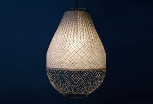 Sustainable Materials,Green Products,Green Lighting,Decorative Objects,hanging lamp,chicken wire,bamboo paper,Amsterdam design studio