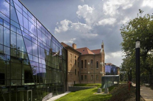 Vikar&Lukacs Architects Studio, military school renovation, remodeled school, hungarian architecture, re-designed building, classic and modern building, renovation