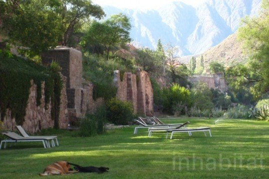 Water Issues,Recycled Materials,Green Resources,Green Materials,Green Holidays,green furniture,Eco Tourism,Eco Travel,Architecture,mendoza,argentina,andes mountains,thermal hotel,mineral geothermal water,local stone,recycled railway sleepers,alpine architecture,healthy water
