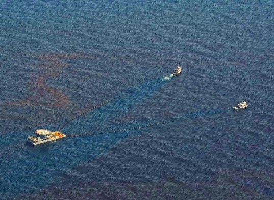 deepwater horizon oil spill, deepwater horizon, oil spill, deep water drilling for oil, natural gas, oil extraction, deep water drilling consequences, deep water oil spill, gulf of mexico, air pollution, deepwater horizon air pollution, deepwater horizon pollution