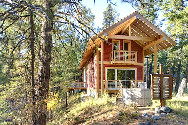 Airy Foster Loop Cabin In Washington State Is A High