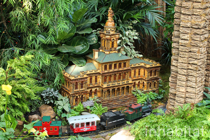 PHOTOS: Last Chance to See Holiday Train Show at the New York ...