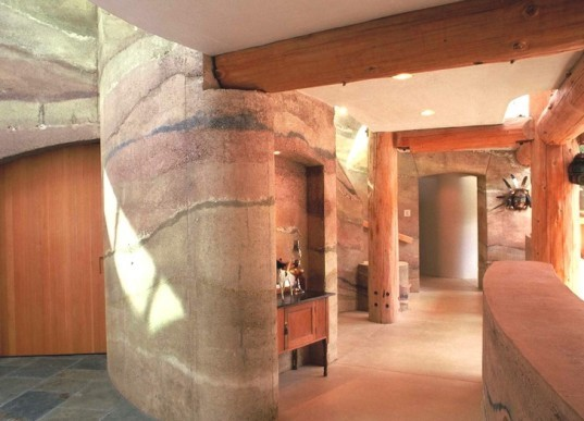 Stabilized Earth Walls Construction : Stabilized insulated rammed earth sire walls last a