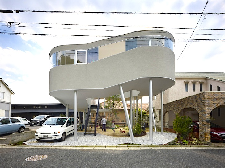 Toda House: Japanese Home Perched on Stilts Has an Awesome View of ...