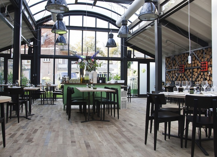 Industrial Chic Dining Pods Pop Up At Fabbrica Restaurant