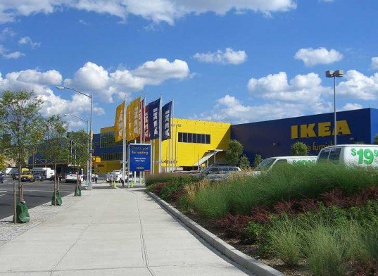 Ikea in emeryville california installs four electric for Emeryville ca ikea