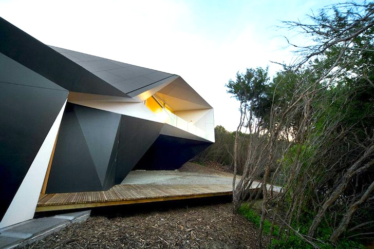 Gorgeous Origami Esque Klein Bottle House Nestles Into Australias