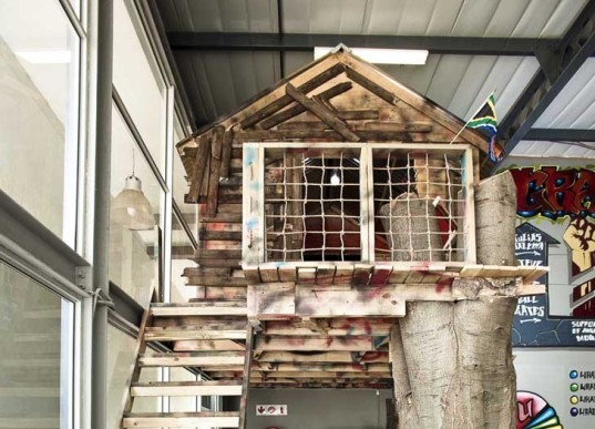 missing link builds an awesome indoor treehouse inside