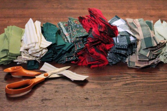 scrap fabric, holiday wreath, christmas, diy. easy, how to, instructions, upcycled, remnant, eco, sustainable, recycled, gift, crafts