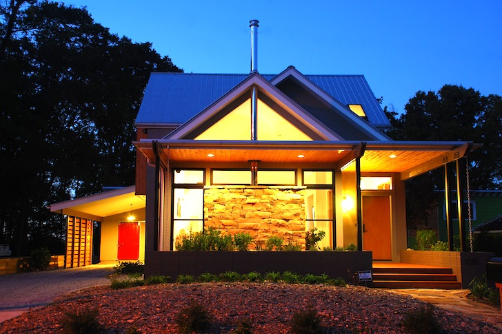 Gabled LEED Platinum Newcomer House in Georgia Cost Just $125 per ...