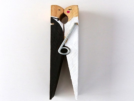 Greenminded couples who love upcycled design or whose wedding budgets are