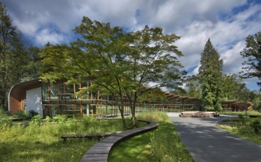 The netherlands green building, eco center, dutch green building, passive heating, GSHP, Apenheul Foundation, concrete core activated, De St@art (The T@il), FSC, geothermal, glulam, green visitors center, green zoo, ground source heat pump, LED, PEFC, RAU, sunlight shade