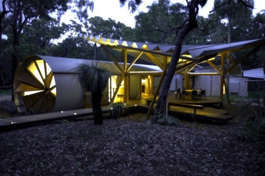 Simon Laws, The Drew House, Anthill Construction, green design, sustainable design, eco design, sleeping pods, parabolic sleeping pods, passive design, prefab construction, daylighting, rainwater harvesting, solar energy, photovoltaics, parabolic pods, insulation