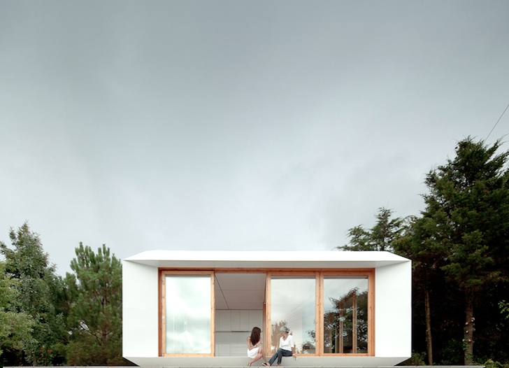 Low Budget Minimalist House Architecture super low cost mima prefab homes are modeled after minimalist
