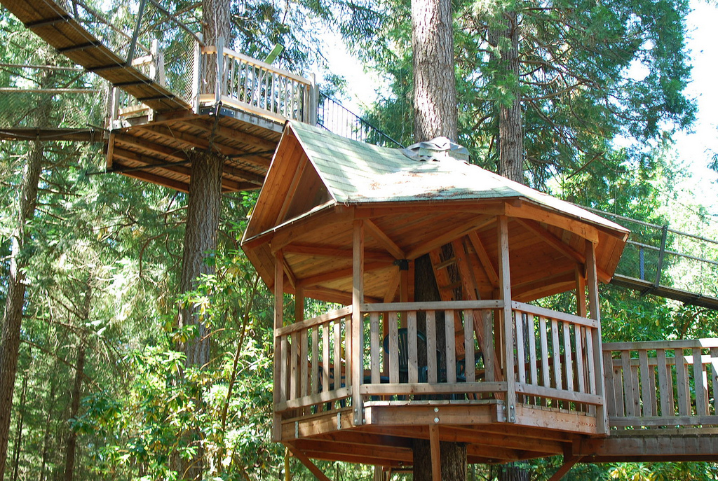 Oregon S Out N About Treehouse Treesort Has The World S