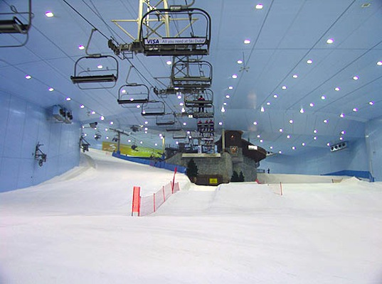 carbon neutral, ski slope, Ski Dubai, snow world, artificial snow, green design, sustainable design, eco design, B01 Arquiectos, Ski Dubai, is it green, natural gas, renewable energy, methane, solar power, plant waste