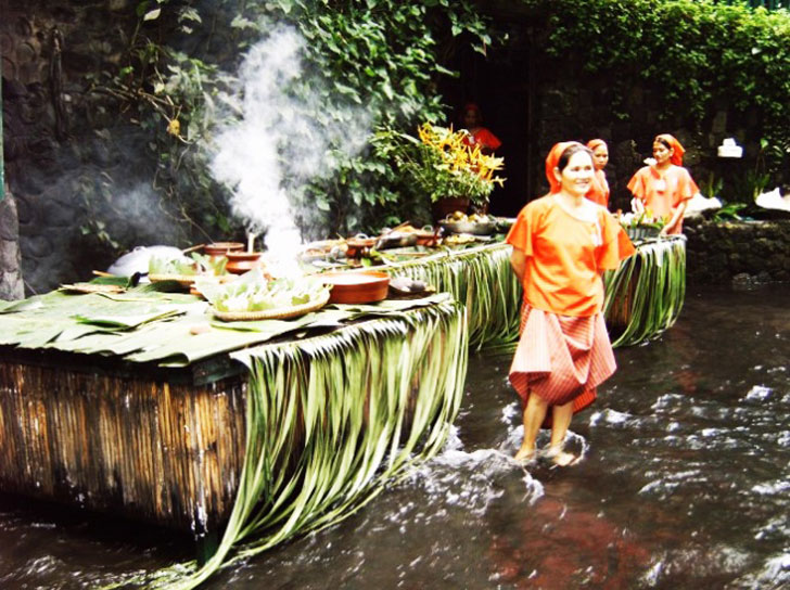 Villa Escudero 39 S Waterfall Restaurant Lets You Dine At The