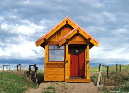 Jay Shafer, Tumbleweed, Tumbleweed tiny homes, tiny homes, Anderjack, Beavan, Gifford, Stamper, Walden, Weller, Zinn, green design, eco design, sustainable design, small carbon footprint, daylighting, custom designed, prefabricated homes