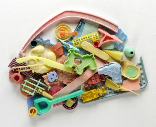 beach plastic, recycled ocean litter, recycled plastic toys, recycled materials, beach artwork, litter art, richard lang, judith selby lang