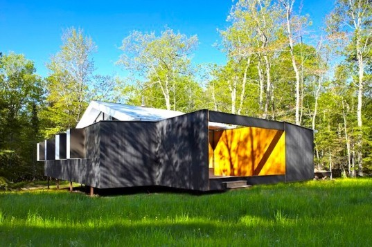 FlatPak, Wisconsin, Week'nder, extreme weather, prefab construction, prefab, insulation, customizable home, green design, sustainable design, eco design, sustainable materials, high winds, seismic safe