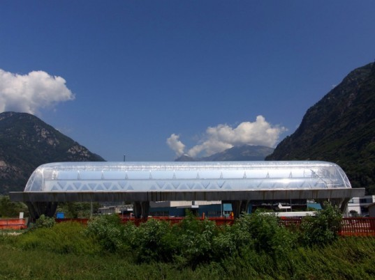 solar power, solar energy, concentrating solar power, csp, solar troughs, airlight, airlight energy, concrete solar troughs, air pillows, etfe, air pillow mirror, pneumatic mirrors, mirrors, solar thermal energy, switzerland, renewable energy, green design, green power, eco design
