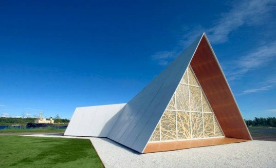 UPM, lilja, sustainable design, temporary meditation centrer, finnish design, prefab structure, plywood design, green building design, transportable chapel finland