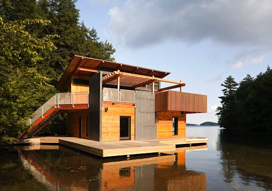 Christopher Simmonds' Beautiful Sustainable Boathouse Sits Peacefully on  the Waters of Muskoka Lake