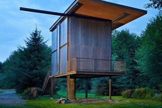 Olson kundig architects 39 prefab sol duc cabin rests for Small house plans washington state