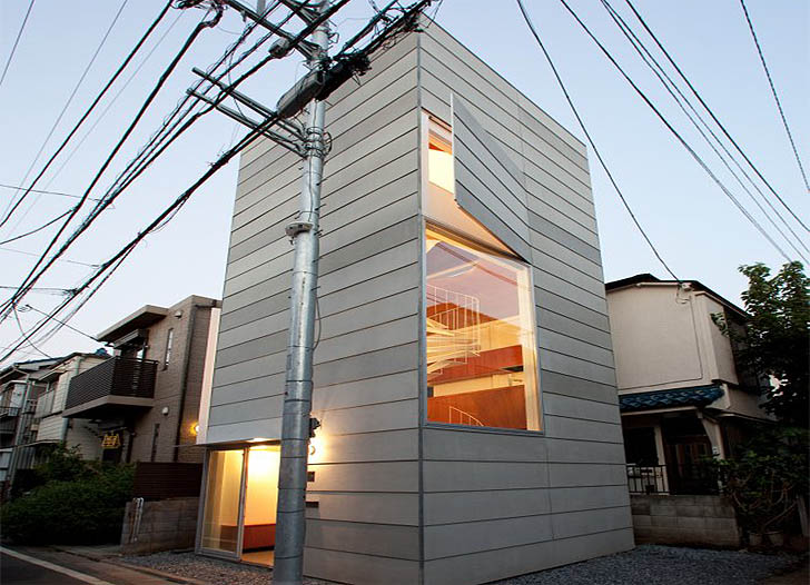 Tokyo s small house is a super narrow tower that 39 s only for Small house architects