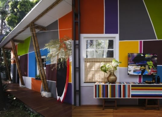 Lively Urban Cabin In Brazil Features Nest Beds And A