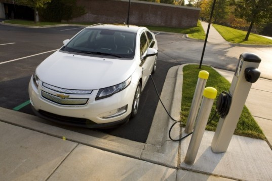 automotive, chevy, chevy cruze, chevy volt, electric vehicle, GM, hybrid, lithium ion battery, plug-in hybrid