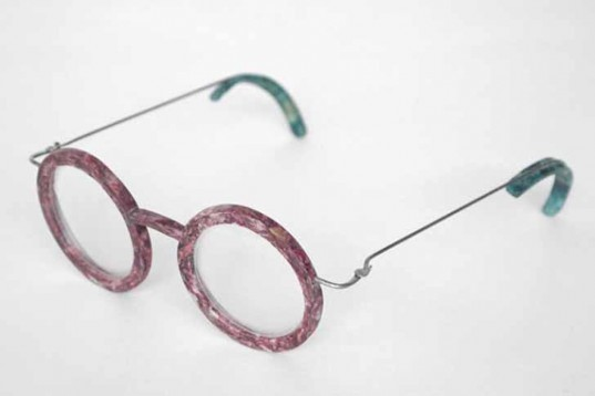 Royal College of Art, recycles materials, fish scales, Eric de Laurens, french design, recycled fish scales, recycled plastic, glasses, goggles