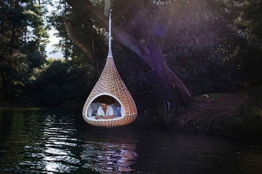 cocoon, DEDON, daniel pouzet, recyclable materials, non-toxic, woven material,