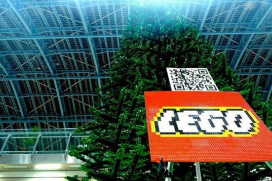 St. Pancrass Train Station, Bright Bricks, LEGO christmas tree