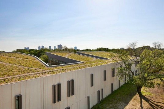 Botanical Research Institute of Texas, H3 Hardy Collaboration, BRIT, green roof, eco research center, leed platinum, green think tank
