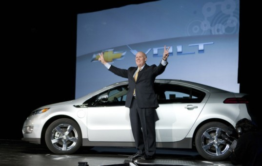 Chevy, Chevy Volt, GM, General Motors, hybrid, President Obama, Bob Lutz, Fortune, NHTSA, plug-in hybrid vehicle
