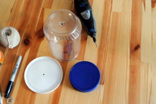 Birdfeeder, How-to, Window, Upcycle, Recycled, Peanut Butter Jar, Urban, DIY, Fire Escape